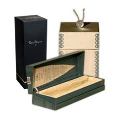 custom luxury product boxes wine liquor cosmetics boutique