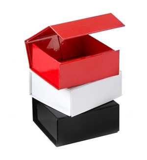 stock gift boxes with magnetic closure